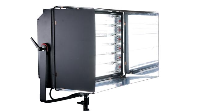 Dynacore Fluorescent 6 Bank Light (5500K/3200K)
