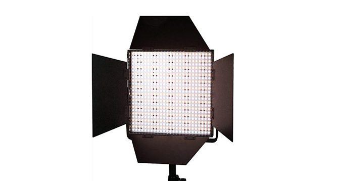 LEDGO 600 LED Panel, DMX Control, V-Lock Battery Plate & Barndoors (Bi-Colour)
