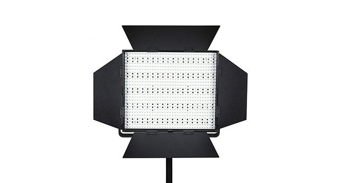 LEDGO 900 LED Panel, V-Lock Battery Plate & Barndoors (Daylight)